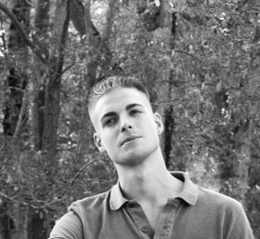 Photographie en noir et blanc d'Alexes prise en automne à Tours